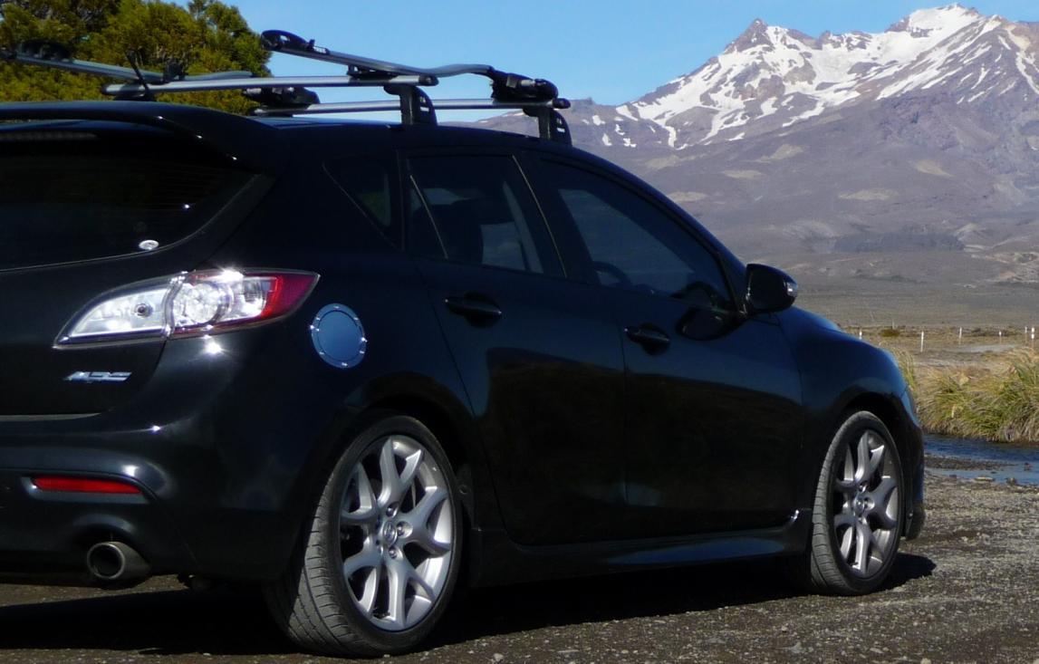 ... Mazda3 Roof Racks P1030192